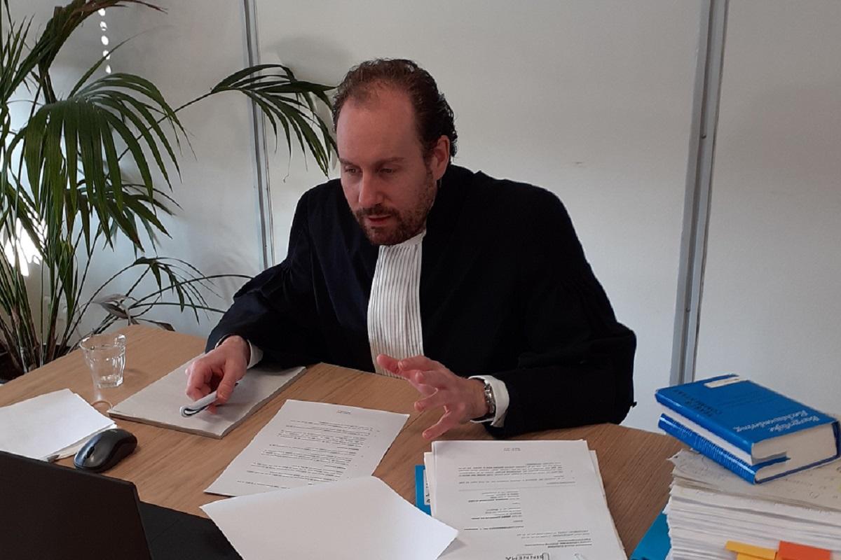 unieke rechtszitting via videoverbinding nu rechtbanken gesloten zijn in verband met coronacrisis